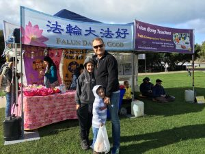 Sam, a local resident, welcomed practitioners to hold a Falun Gong workshop in Lorne.