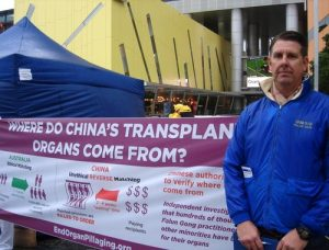 Scott Smythe learned Falun Gong about the same time the persecution began in China 17 years ago.