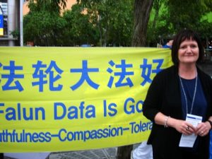 Sandra from New Zealand supports Falun Gong