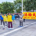 Practitioners demonstrate the Falun Dafa exercises