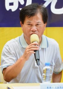Fung Chi-wood, a former member of the Legislative Council and a pastor of the Anglican Church, praised Falun Gong's spirit of Truthfulness-Compassion-Forbearance in the face of the brutal persecution. He believes that the persecution will fail, and the murderers will meet their due.
