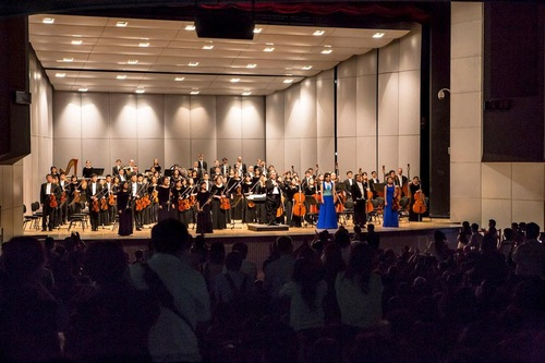 Standing ovation at the Shen Yun Symphony Orchestra concert on September 27 in Yunlin, Taiwan