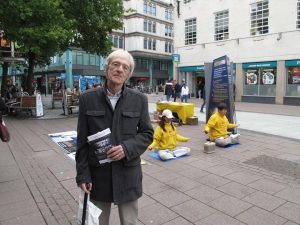 "Martin was interested in seeing the documentary on organ harvesting called Hard to Believe. Looking at the practitioners meditating, he said, ""They are so calm and peaceful! It's hard to imagine they are persecuted! More people should know about the organ harvesting."""