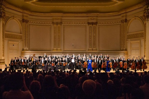 Shen Yun Symphony Orchestra presented two concerts in the Isaac Stern Auditorium of Carnegie Hall on October 15, 2016. Several encores were added in response to a standing ovation by the enthusiastic audience.