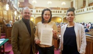 Councilor Gudrun Kugler (middle) from Vienna City Concil is one of the sponsors of the resolution.