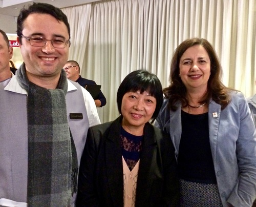 Dafa practitioners with Queensland Premier Annastacia Palaszczuk (right).