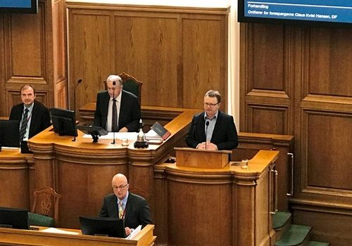 Claus Kvist Hansen (right) from the People's Party spoke during the Danish Parlimentary hearing on April 5, 2018, discussing forced organ harvesting in China.