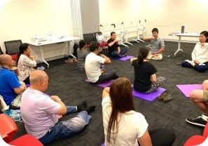 New practitioners learn the Falun Dafa exercises during a nine-day workshop hosted by the City of Canterbury-Bankstown in March 2020.