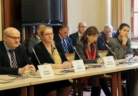 (From left) former Minister of Foreign Affairs Mr. Daniela Hermana, members of the Czech Helsinki Committee, Lucie Rybová and Monika Šimůnková, and reporter Kateřina Procházková.