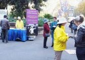 Falun Gong practitioners in Sydney hold activities in Hyde Park.